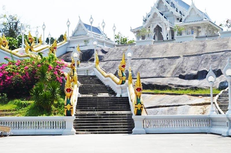 Kaew Korawaram Temple in Krabi
