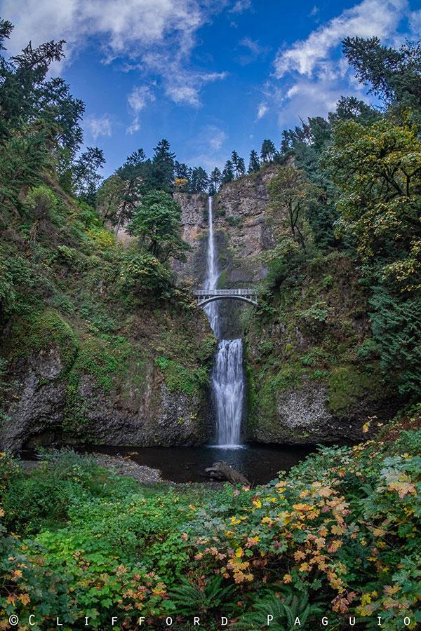 Multnomah Falls in the Autumn