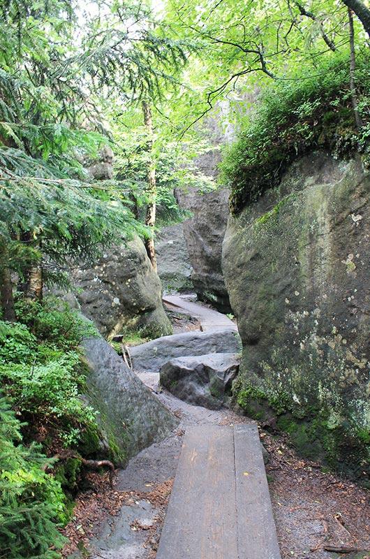 Rock path on Szczeliniec Wielki, Poland