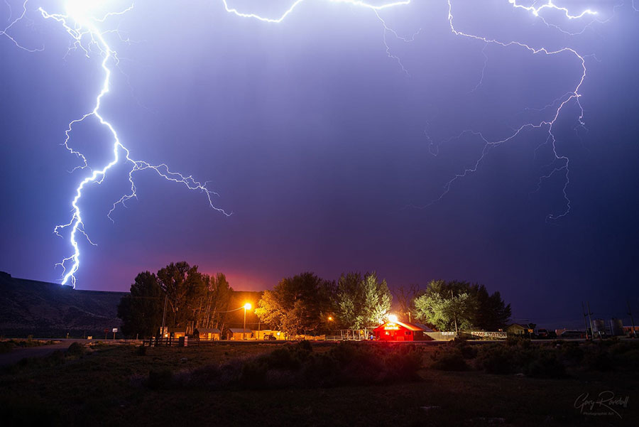 Lightning at Rome Station in Oregon - Photography by Gary Randall