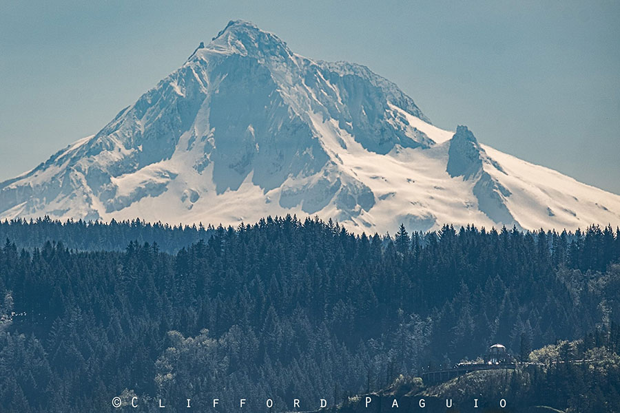 Vista House and Mt Hood