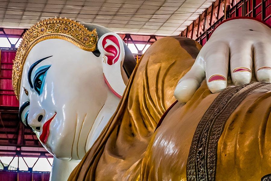 Reclining Buddha in Yangon