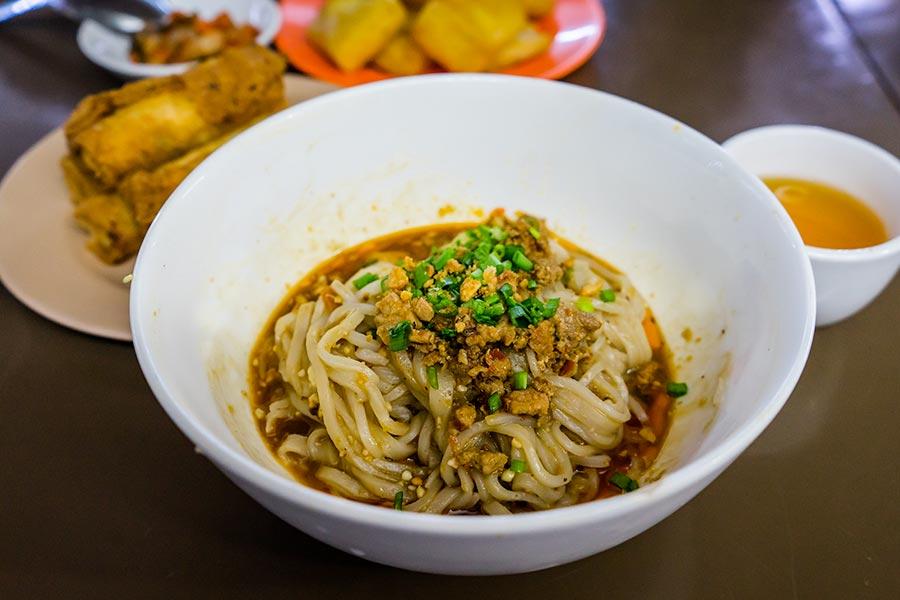 Eat Burmese Noodles in Yangon