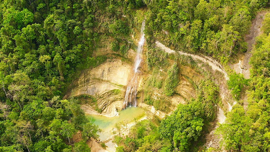Visit Can-umantad Falls in Bohol